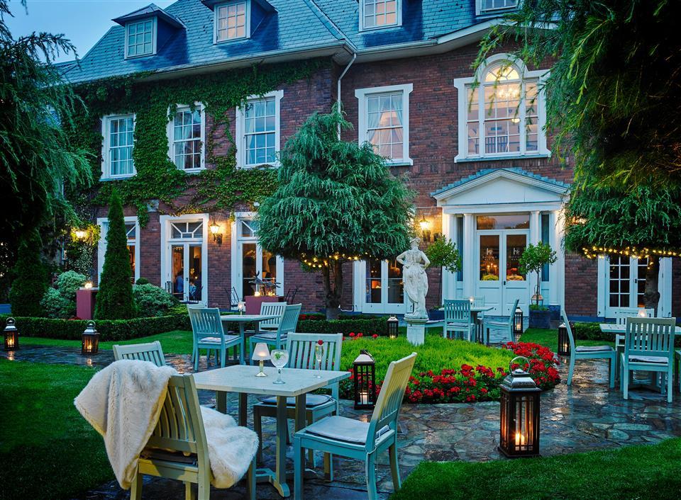 Hayfield Manor Exterior