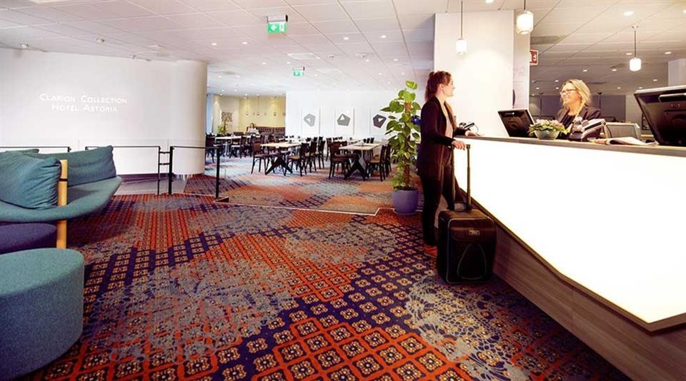 Clarion Collection Hotel Astoria Reception