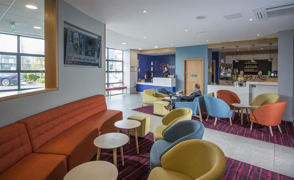 Travelodge Belfast - Reception Area