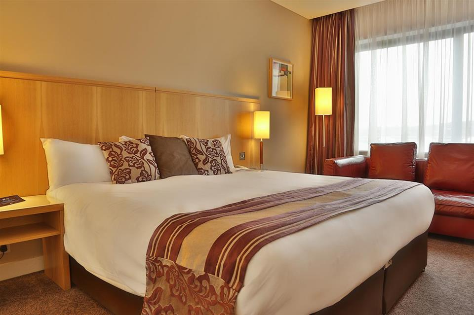 Radisson Blu Letterkenny bedroom