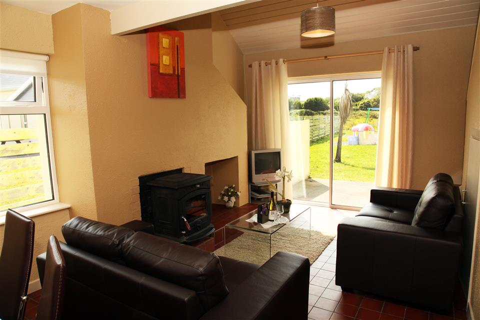 Carraroe Holiday Cottages lounge
