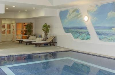 Dromhall Hotel swimming Pool