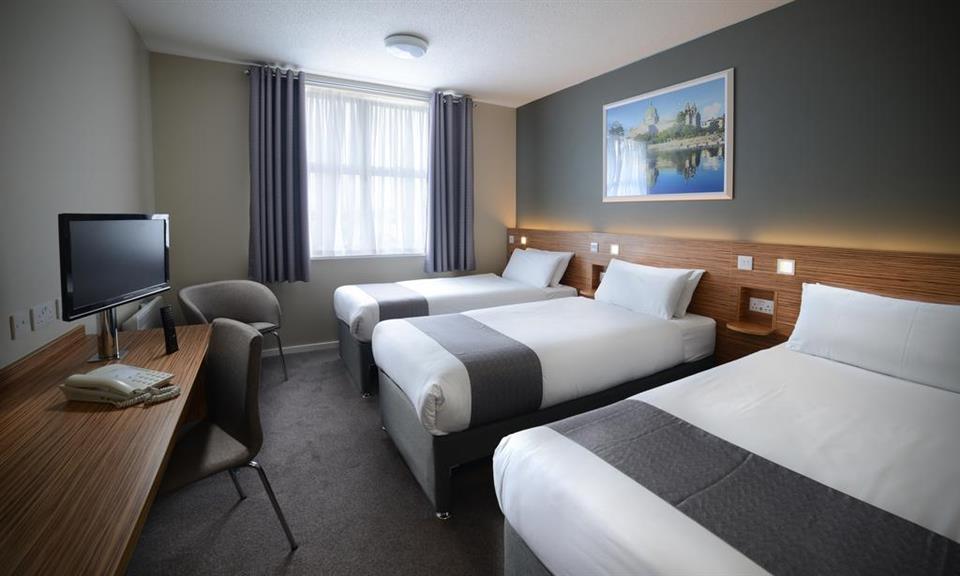 Travelodge Galway - Triple Bedroom