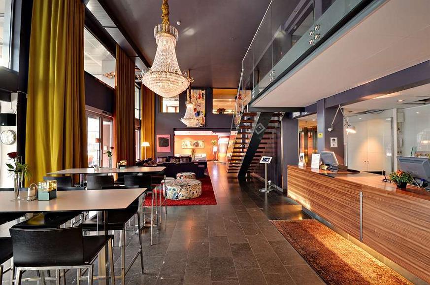 Best Western Plus John Bauer Hotel Lobby