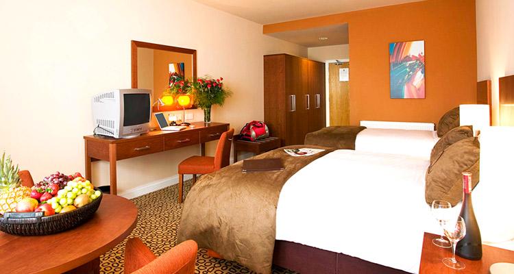 Maldron Hotel Limerick Bedroom