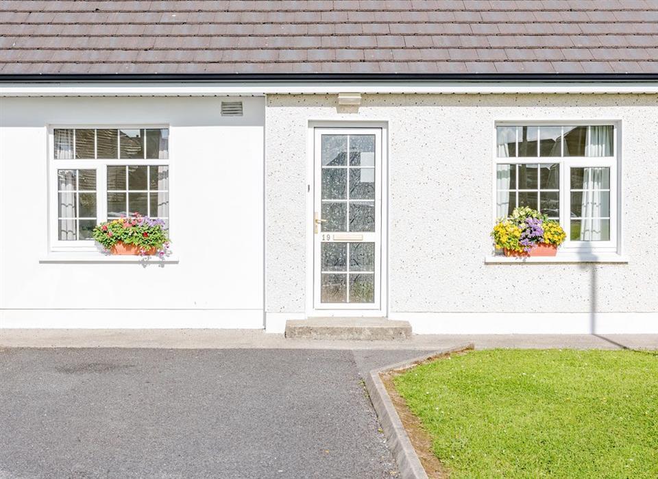 Bunhovil Holiday Cottage Exterior