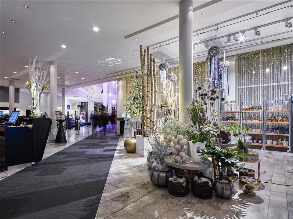 Gothia Towers Hotel Lobby & Flower shop