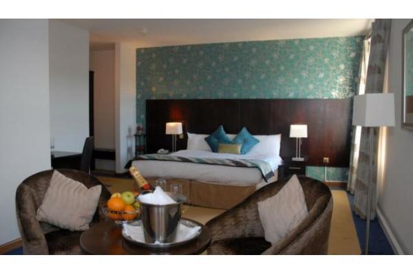 Auburn Lodge Hotel Suite