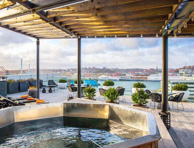 Radisson Blu Riverside Hotel Badtunna på taket