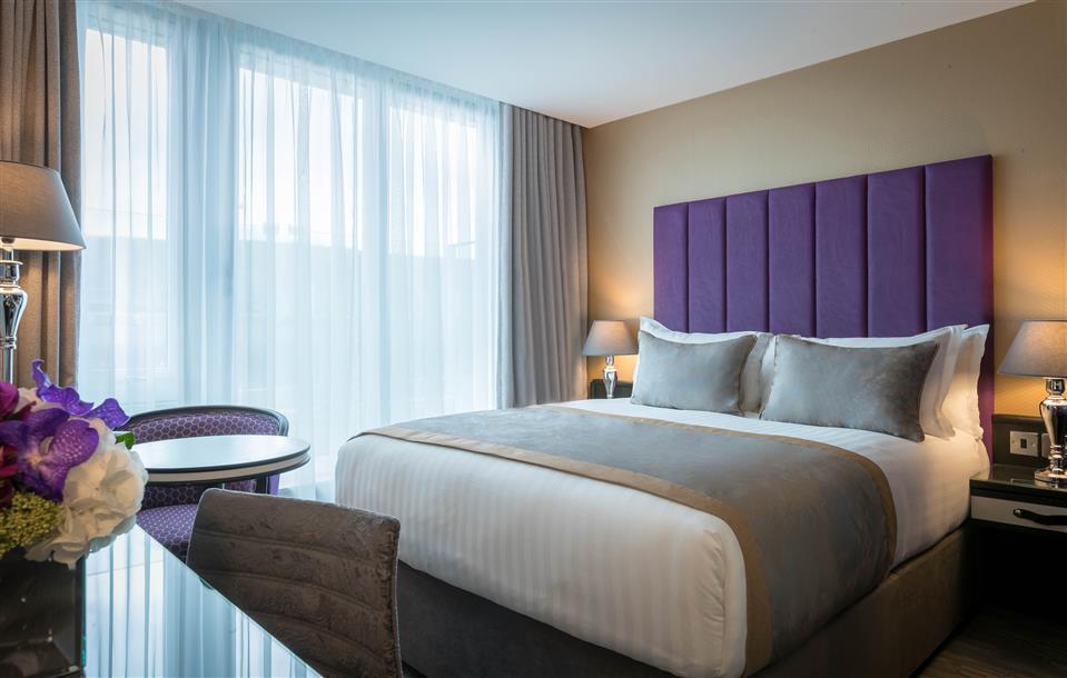 Trinity City Hotel Double Bedroom