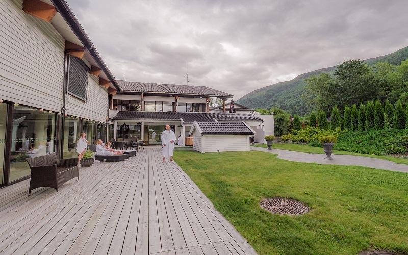 Nordfjord Hotell Trädgård