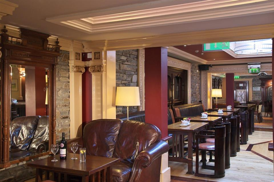 Castle Hotel Macroom Bar