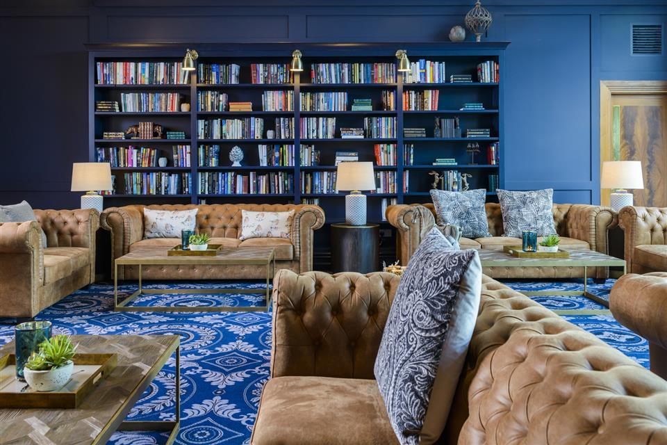 Shearwater Hotel Lounge
