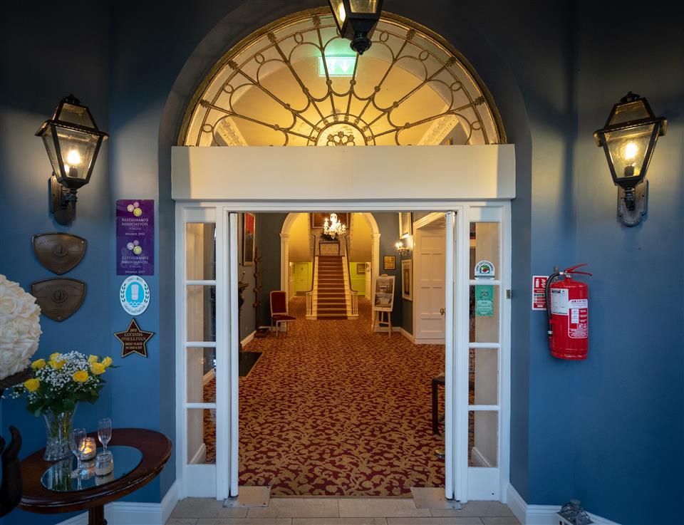 Castle Oaks House Hotel & Estate