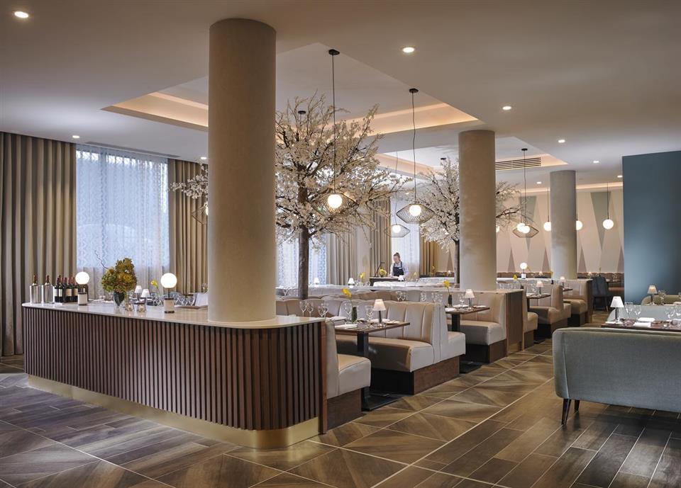 Fairways Hotel Lounge