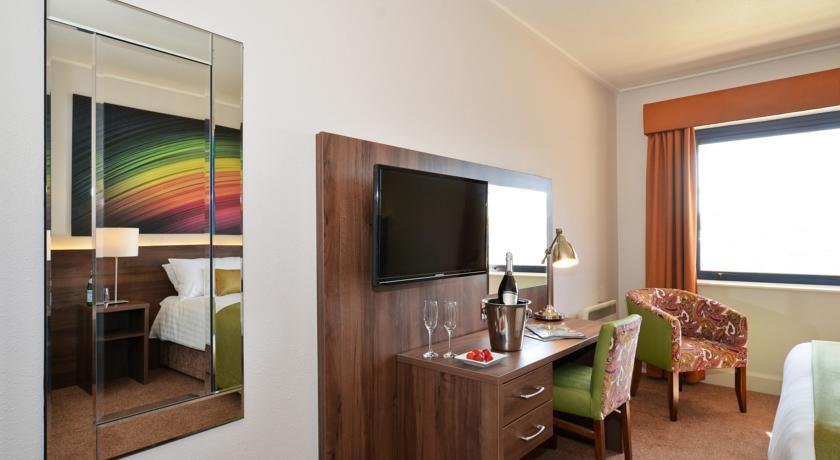 Nox Hotel_bedroom3