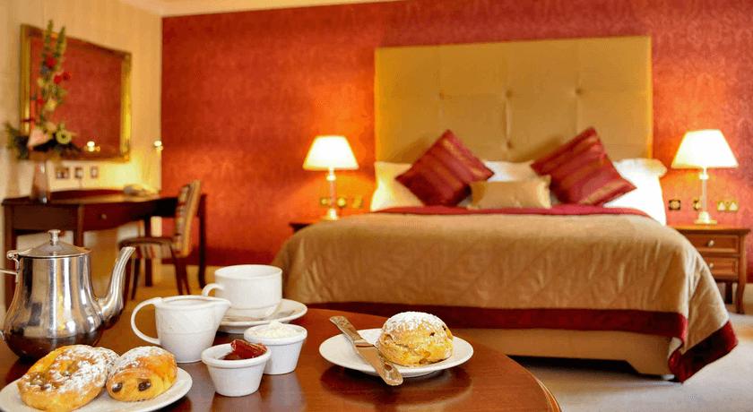 Ardilaun Hotel deluxe bedroom