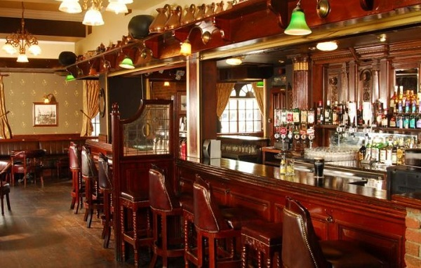 Treacys Hotel Waterford Bar
