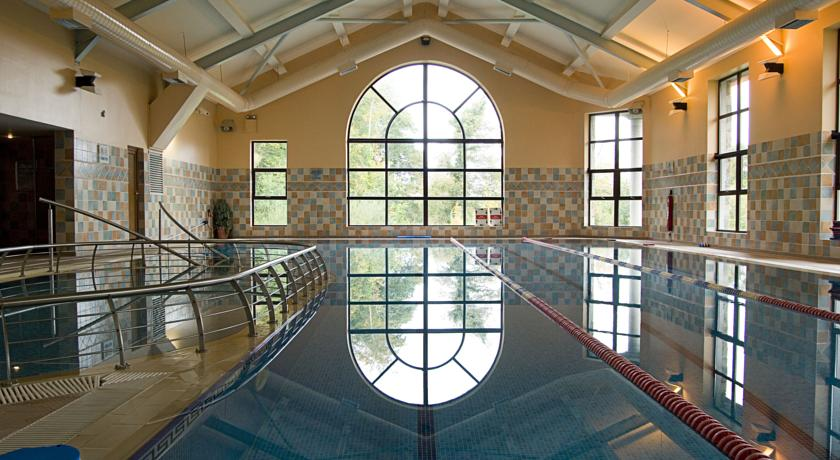 Westport Woods Hotel Swimming Pool