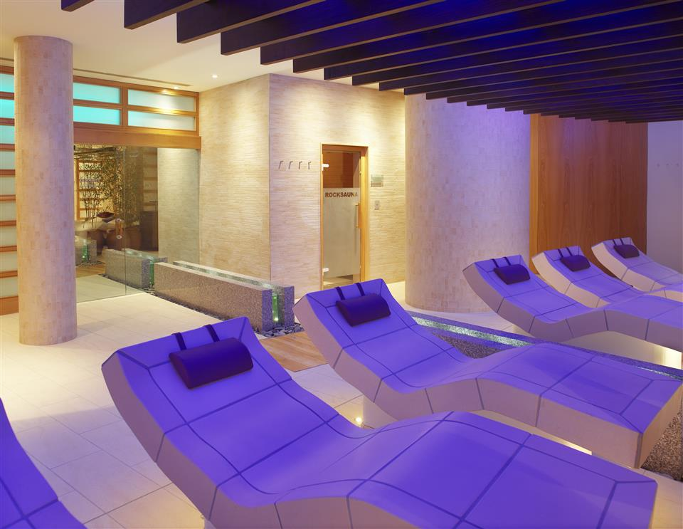 Aghadoe Heights Heated Loungers in Spa