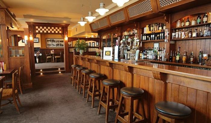 Riverside Hotel Killarney bar
