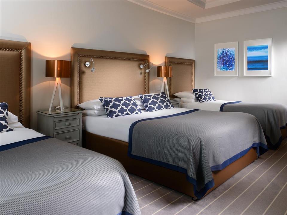 meadowlands hotel bedroom