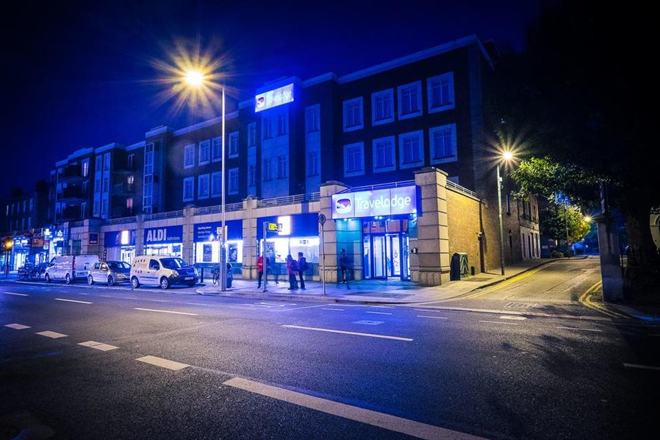 Travelodge Rathmines - Exterior at Night