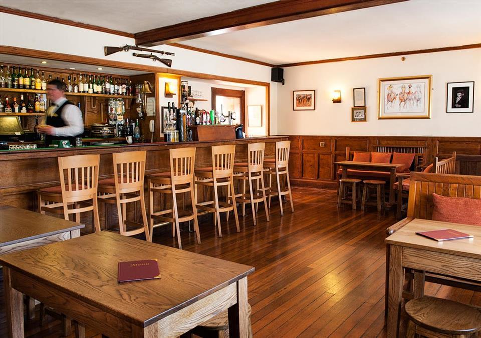 Renvlye Hotel bar