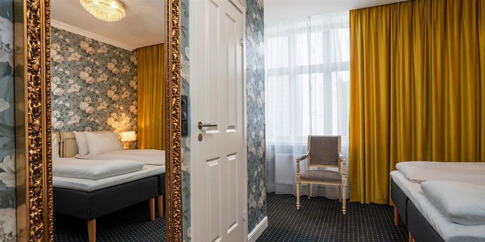 Thon Hotel Sandven Spegelbild