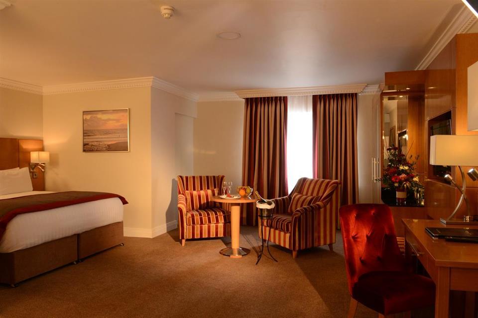 Clanree Hotel Letterkenny Bedroom