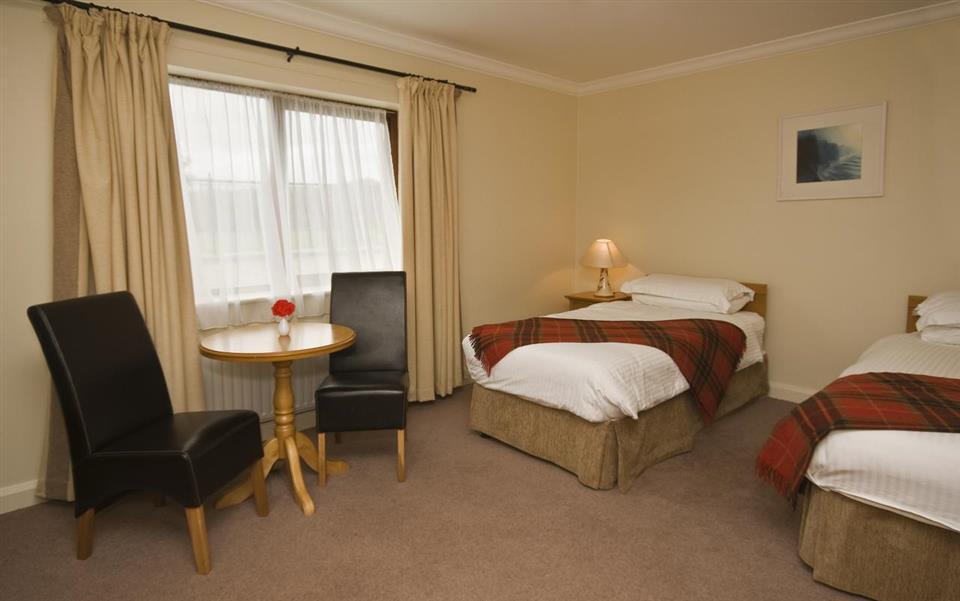Renvlye Hotel bedroom