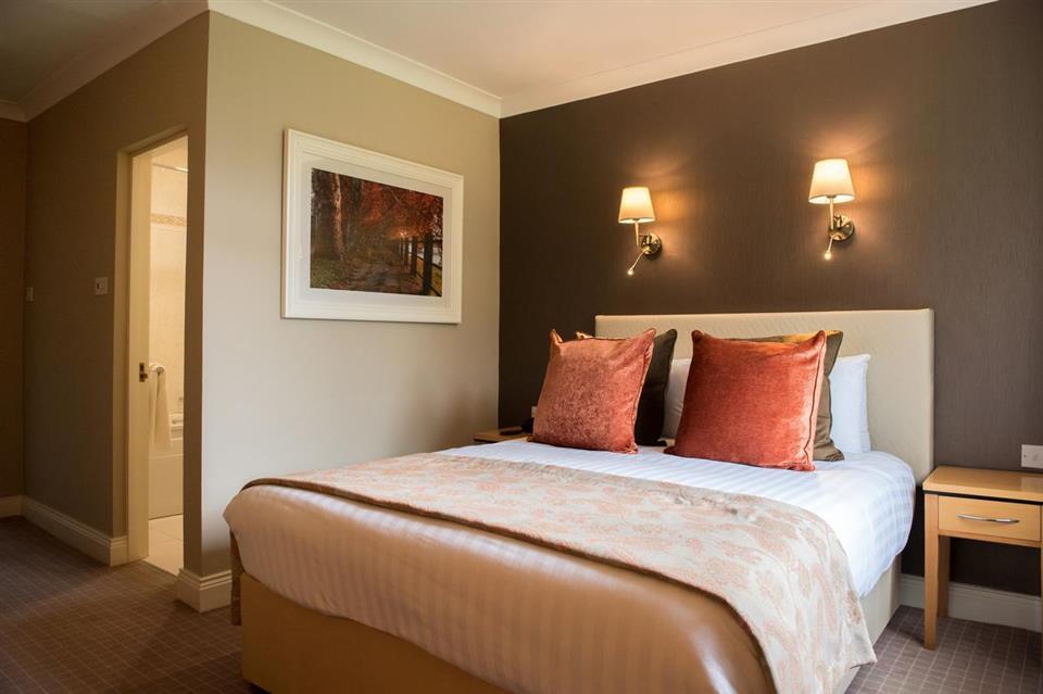 Castlerosse Park Resort bedroom