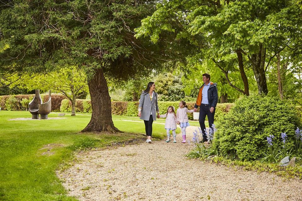 Great Southern Hotel garden walk