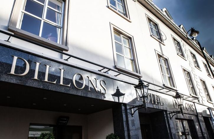 Dillons Hotel Exterior