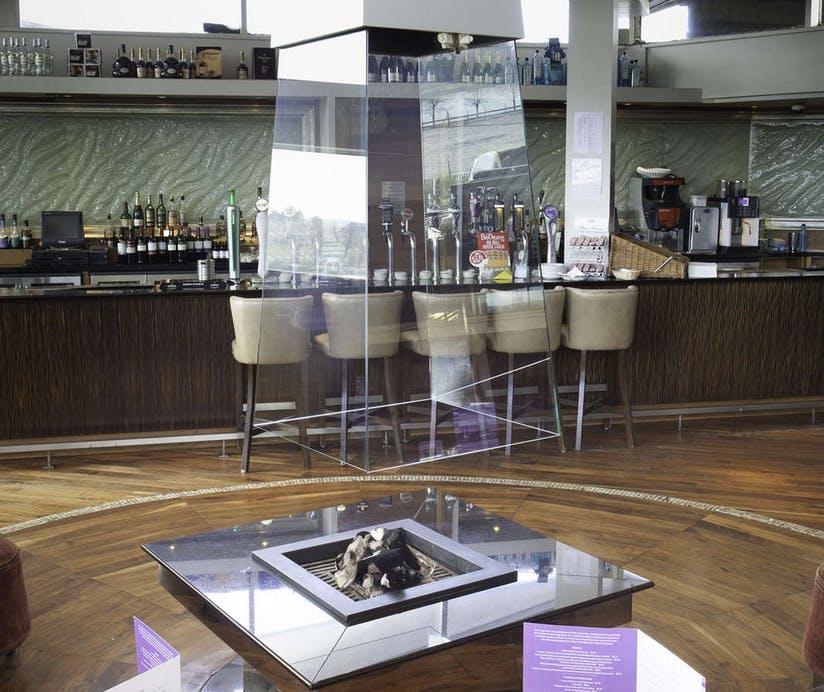 Clayton Hotel Silver Springs Bar