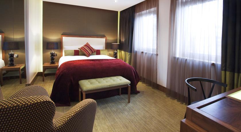 Rochestown Park Hotel Bedroom