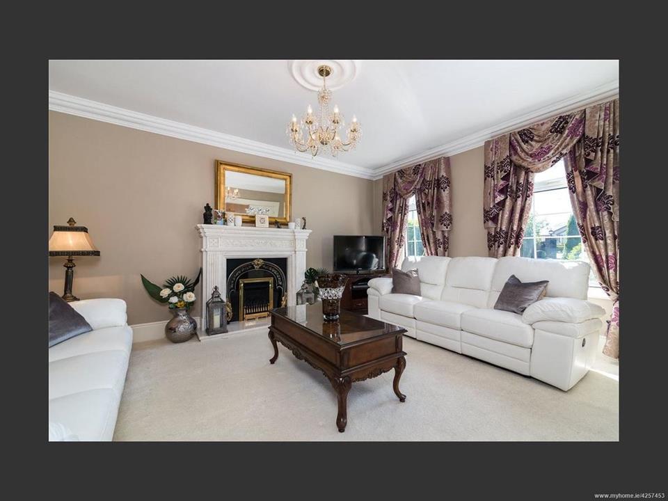 Woodfield House Lounge