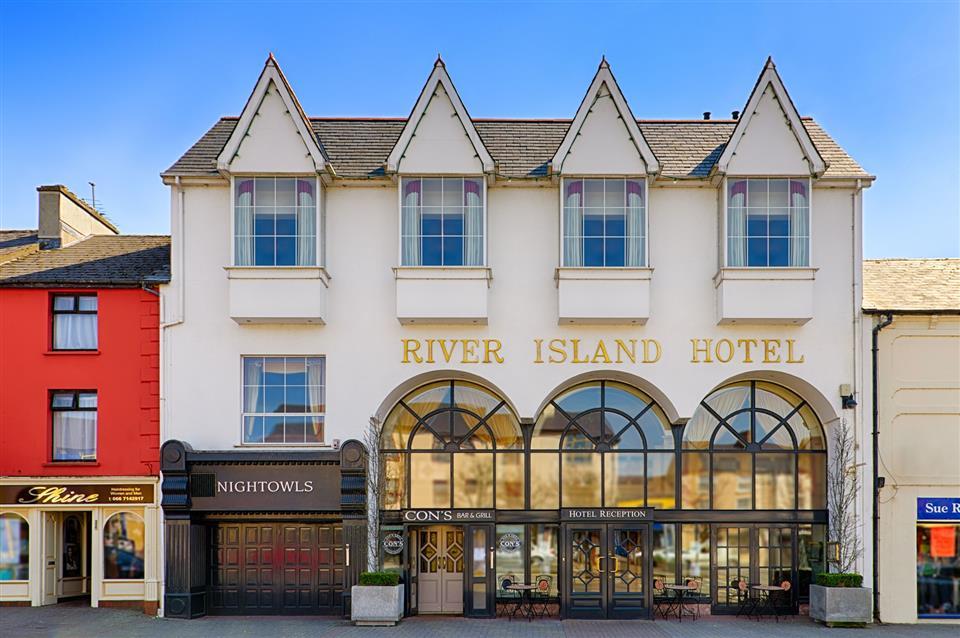 River Island Hotel Exteriior