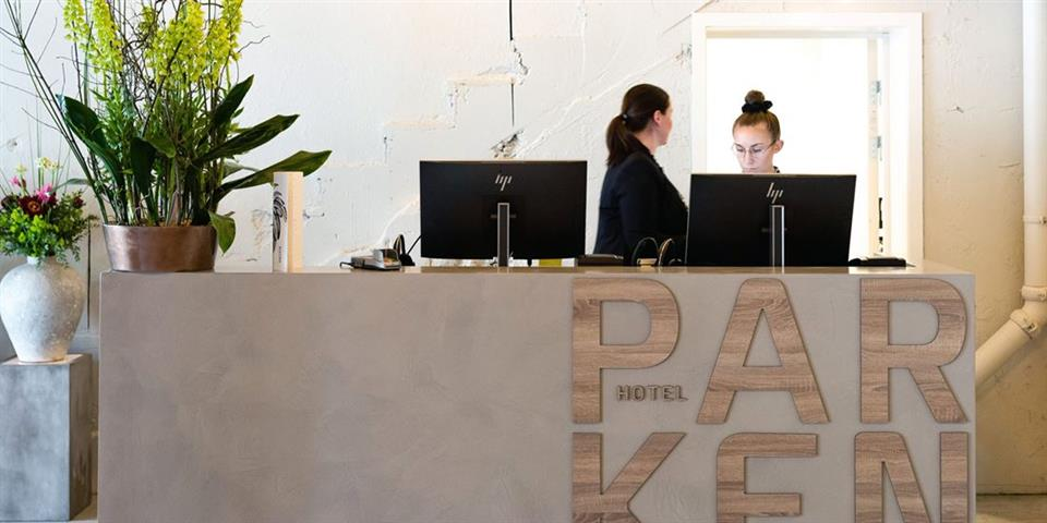 Thon Hotel Parken Reception