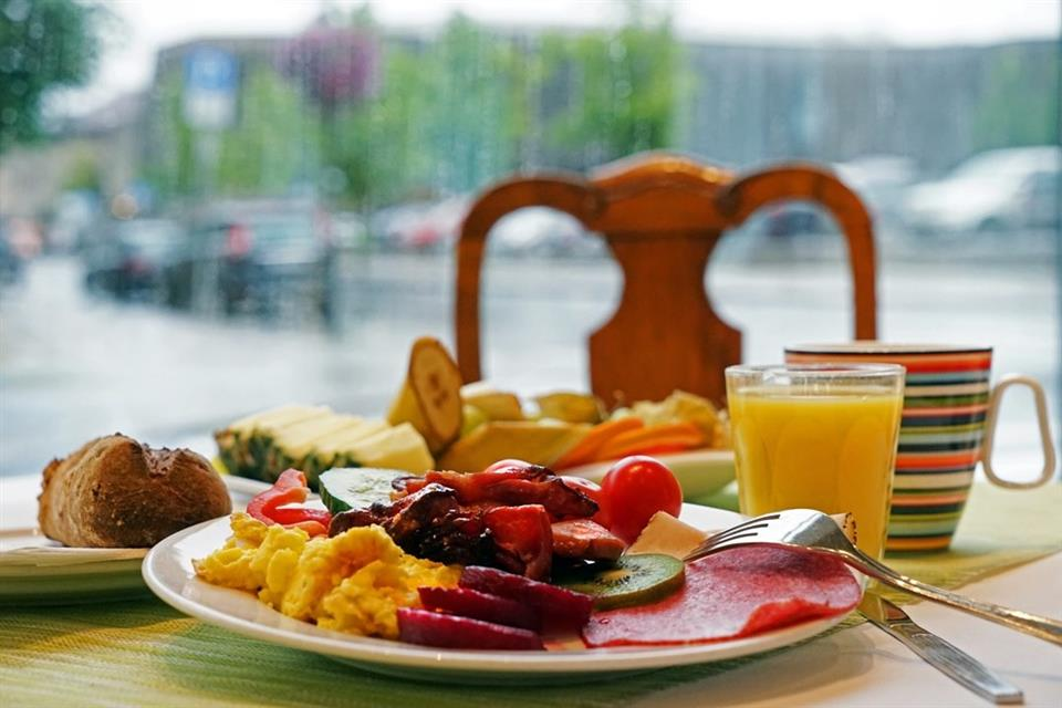 First Hotel Breiseth Frukosttallrik