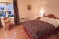 Dingle Marina Cottages Bedroom