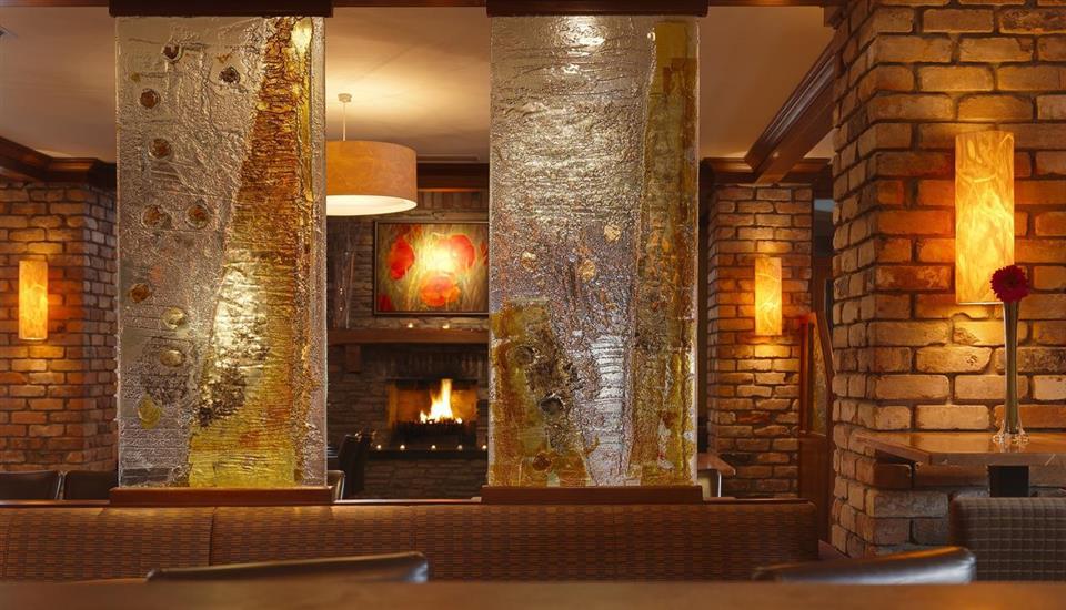 Brook Lane Hotel lounge