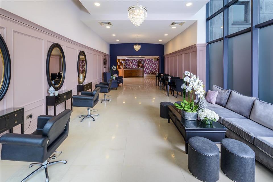 Shearwater Hotel salon