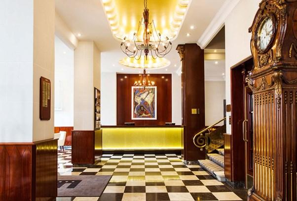 Elite Hotel Savoy Reception