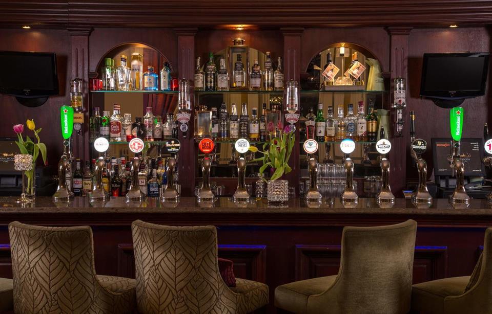 Vienna Woods Hotel Bar