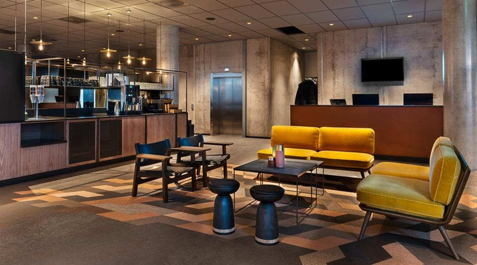 Quality Hotel River Station Lounge