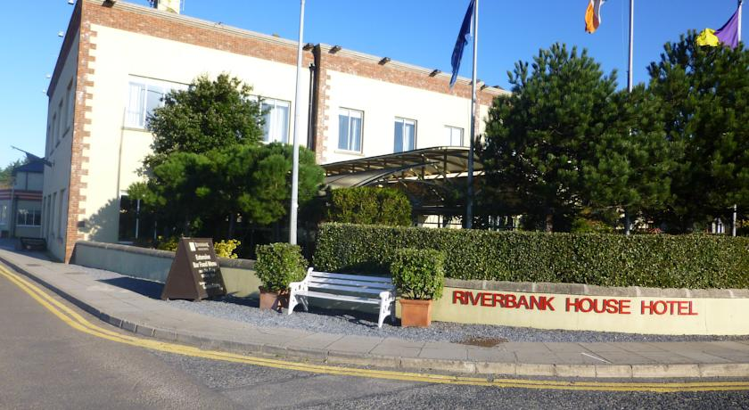 The Riverbank Hotel