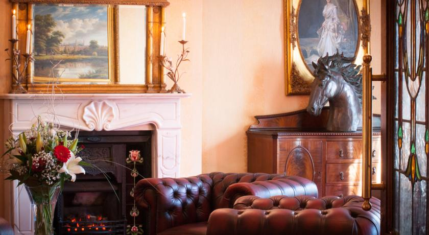 Meadow Court Hotel_interior1