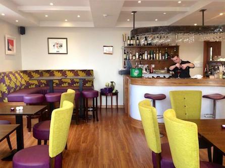 Arnolds Hotel Bar