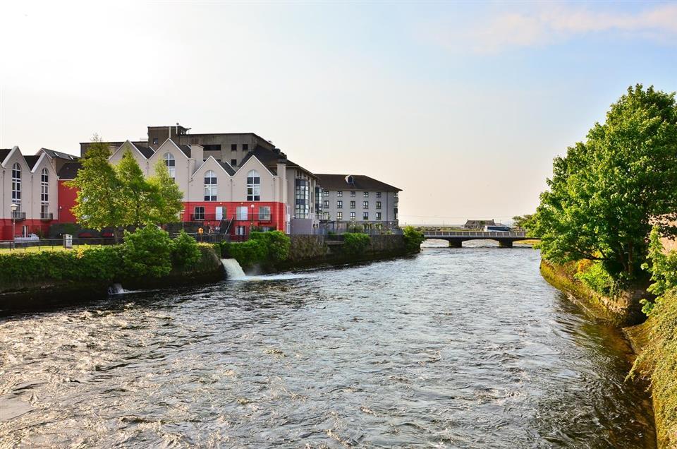 Eyre Square Hotel Lough Corrib